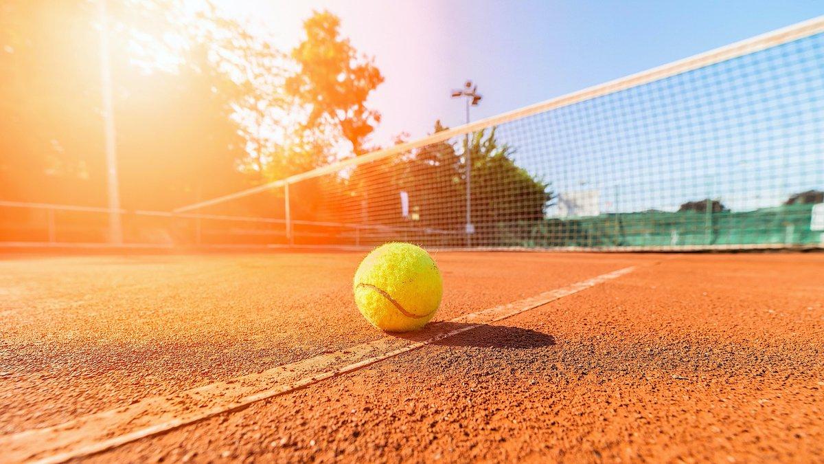 header-tennis_108576443.jpg