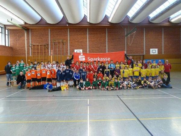 e-jugendturnier2011_01_alle-teams.jpg